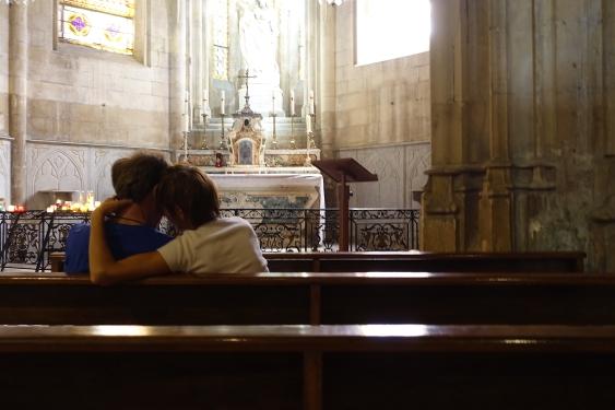 dans l'église